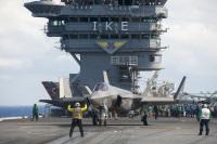 ニュース画像 2枚目:空母アイゼンハワー艦上のF-35C