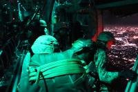 ニュース画像 2枚目:夜間の降下訓練