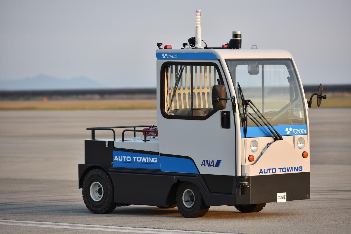 ニュース画像 1枚目:自動運転トーイングトラクター