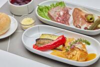 JAL、10月の国内線ファースト機内食 彩り豊かなイタリア料理の画像