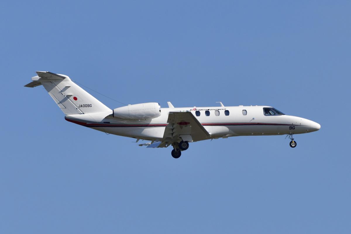 富山空港、ローカライザー定期点検 10月22日・23日 | FlyTeam ニュース