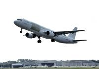 ニュース画像:旅客機から貨物機に改修されたA321-200PCF、初飛行