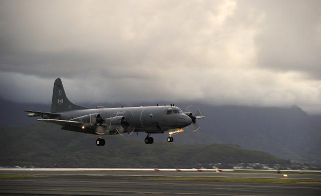 ニュース画像 1枚目:カナダ空軍 CP-140オーロラ