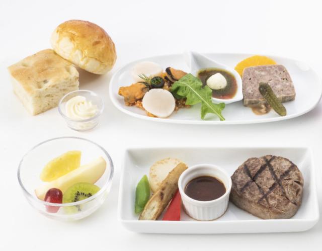 ニュース画像 1枚目:ビジネスクラス 機内食イメージ
