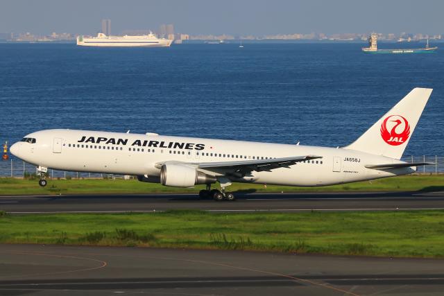 ニュース画像 1枚目:JAL 767 (c1c2c130さん撮影)