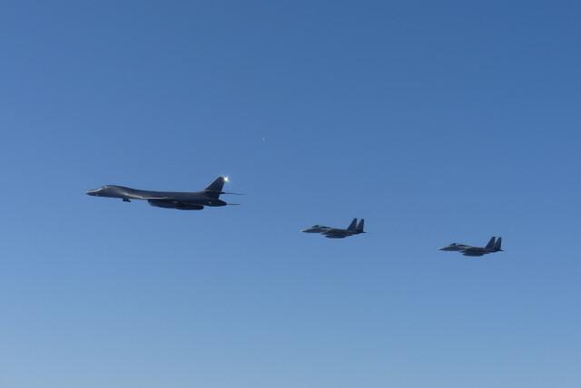 ニュース画像 1枚目:B-1Bランサーと空自F-15Jが共同訓練