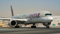 ニュース画像:カタール航空、A350-1000を3機 同日に受領