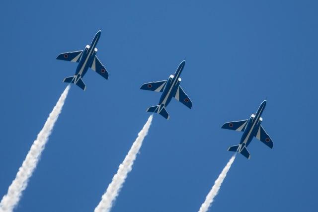 ニュース画像 1枚目:航空観閲式でこうした展示飛行は実施されない
