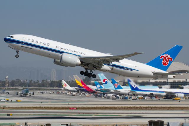 ニュース画像 1枚目:中国南方航空 777F イメージ (よっしぃさん撮影)