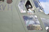 ニュース画像:第15旅団、CH-47JAで与論から奄美へ急患輸送 11月6日
