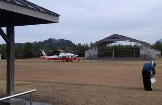 ニュース画像 1枚目:過去に実施された桜島火山爆発総合防災訓練、ヘリで傷病者搬送