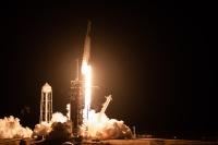 ニュース画像:野口さん搭乗の宇宙船、打ち上げ成功 ISSへ向かう