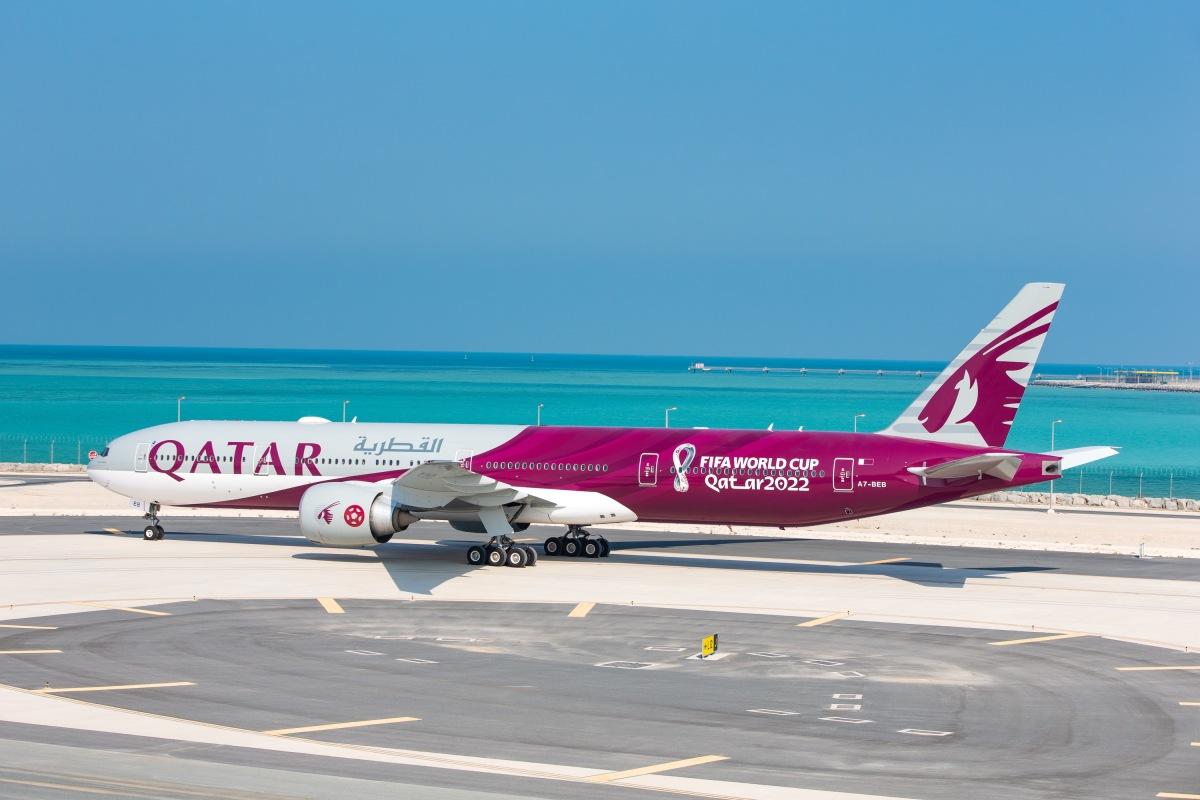 ニュース画像 1枚目:カタール航空、ワールドカップ特別塗装機