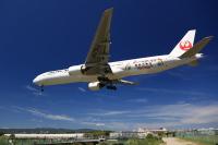 ニュース画像 9枚目:「嵐ジェット JAL FLY to 2020」 JA751J  ボーイング777-300型機  (T.Sazenさん撮影)