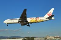 ニュース画像 15枚目:「怪物くんジェット」 JA8985  ボーイング777-200型機  (T.Sazenさん撮影)