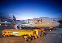 ニュース画像 2枚目:ハンブルクでA380にSAFを給油