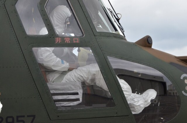 ニュース画像 1枚目:陸自CH-47JA、徳之島から鹿児島市内へコロナ陽性者を輸送