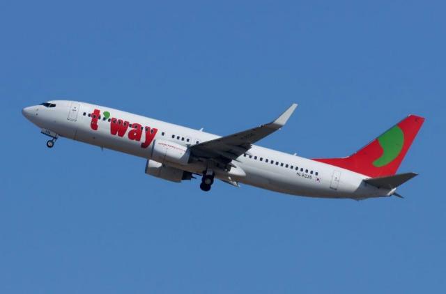 ニュース画像 1枚目:ティーウェイ航空 画像は737-800