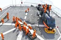 ニュース画像 2枚目:CH-101の飛行前、ブレード準備