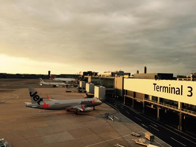 ニュース画像 1枚目:成田国際空港に駐機するジェットスター (竹林 義弘さん撮影)