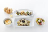 ニュース画像 2枚目:trico2周年記念チャーターフライトの機内食 生江シェフ監修の洋食メニュー