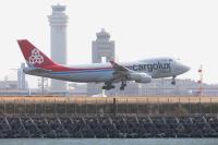 成田空港で強風、各地へダイバート カーゴルクス・イタリアは羽田への画像