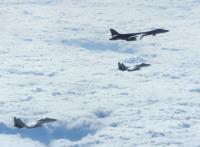 空自戦闘機とB-1B、日本海・東シナ海・沖縄で共同訓練の画像