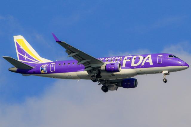 ニュース画像 1枚目:JALがコードシェアするフジドリームエアラインズ(FDA)の機材イメージ(三軒 那乃さん撮影)
