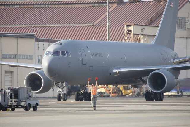 ニュース画像 1枚目:横田基地に飛来したKC-46A