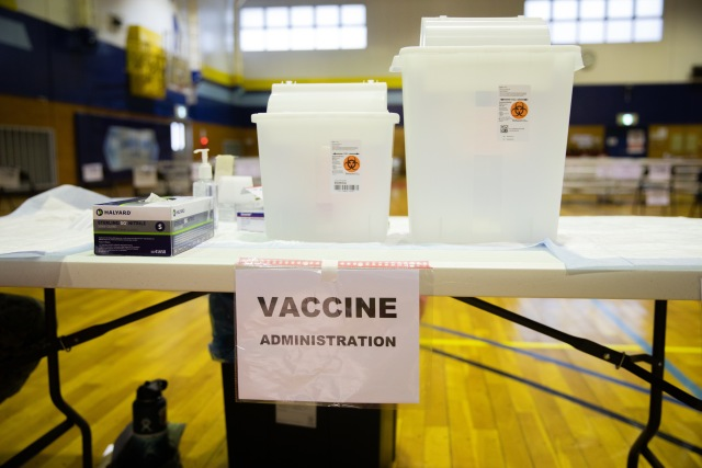 ニュース画像 1枚目:ワクチン接種会場