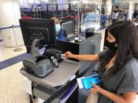 ニュース画像:ロサンゼルス空港、全保安検査場で非接触の自動写真認証スキャナー導入