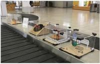 ニュース画像:JAL、広島空港で現地大学生制作のオブジェ展示 到着旅客を出迎え