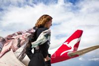 ニュース画像:カンタス航空、オーストラリアのスカーフブランドとコラボレーション