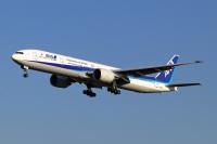 ニュース画像 2枚目:国際線で活躍した「JA732A」 (szkkjさん撮影)