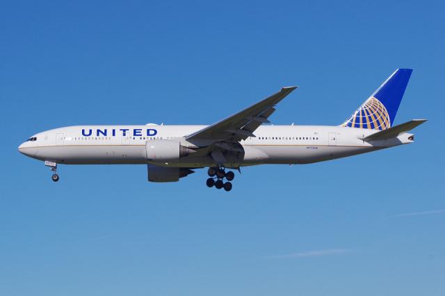 ニュース画像 1枚目:エンジン損傷したユナイテッド航空の777-200型機、機体番号(レジ)「N772UA」 2018年12月撮影 (PASSENGERさん撮影)