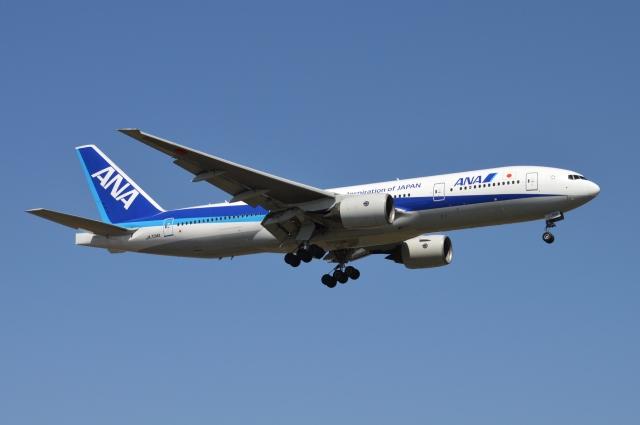 ニュース画像 1枚目:運航中の「JA704A」 (雪虫さん撮影)