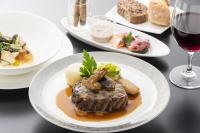 ニュース画像:ANA、ファースト・ビジネス機内食を楽しめる「翼のレストラン」