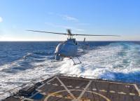 ニュース画像 1枚目:MQ-8Cファイアスカウト無人ヘリコプター USSジェイソン・ダンハムに初着艦