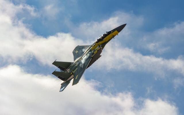 ニュース画像 1枚目:初飛行時のF-15EX戦闘機