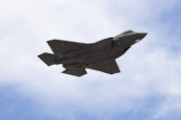 ニュース画像:ロッキード・マーティン、デンマーク向けF-35A初号機 初飛行