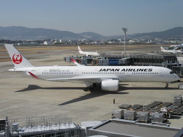 ニュース画像 1枚目:伊丹空港に到着したA350 (LOVE767さん撮影)