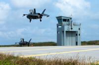 ニュース画像:F-35B、伊江島に着陸 海兵隊のEABO演習「キャストアウェイ」