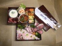 ニュース画像:スカイマーク機内食の専用容器、東京の飲食店に寄贈 花見弁当として販売