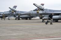ニュース画像:空自F-15と米F-16が共同訓練、三沢ではMCA訓練