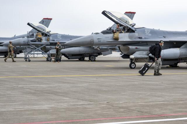 ニュース画像 1枚目:3月16日、三沢基地のF-16での訓練イメージ
