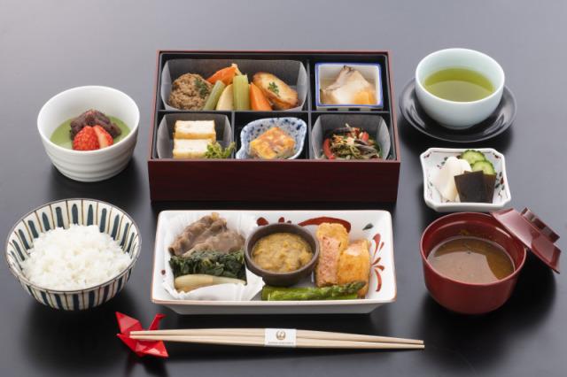ニュース画像 1枚目:JAL「空たび お空の上de航空教室」ビジネスクラスで提供される機内食 和食メニューイメージ