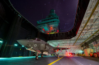 ニュース画像:イタリア海軍軽空母「カヴール」、F-35Bの運用へ前進