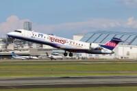 ニュース画像:IBEX、客室乗務員が楽天イーグルスユニフォーム着用 塗装機限定
