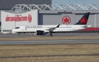 ニュース画像: エア・カナダ、トランザットATの買収計画を撤回 EC承認が壁