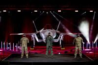 ニュース画像:ロッキード・マーティン、デンマーク向けF-35A初号機 納入